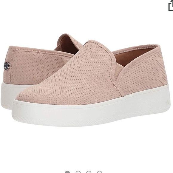 Steve Madden Shoes   Blush Pink Slip